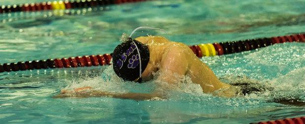 Swimmer training to reach goals.